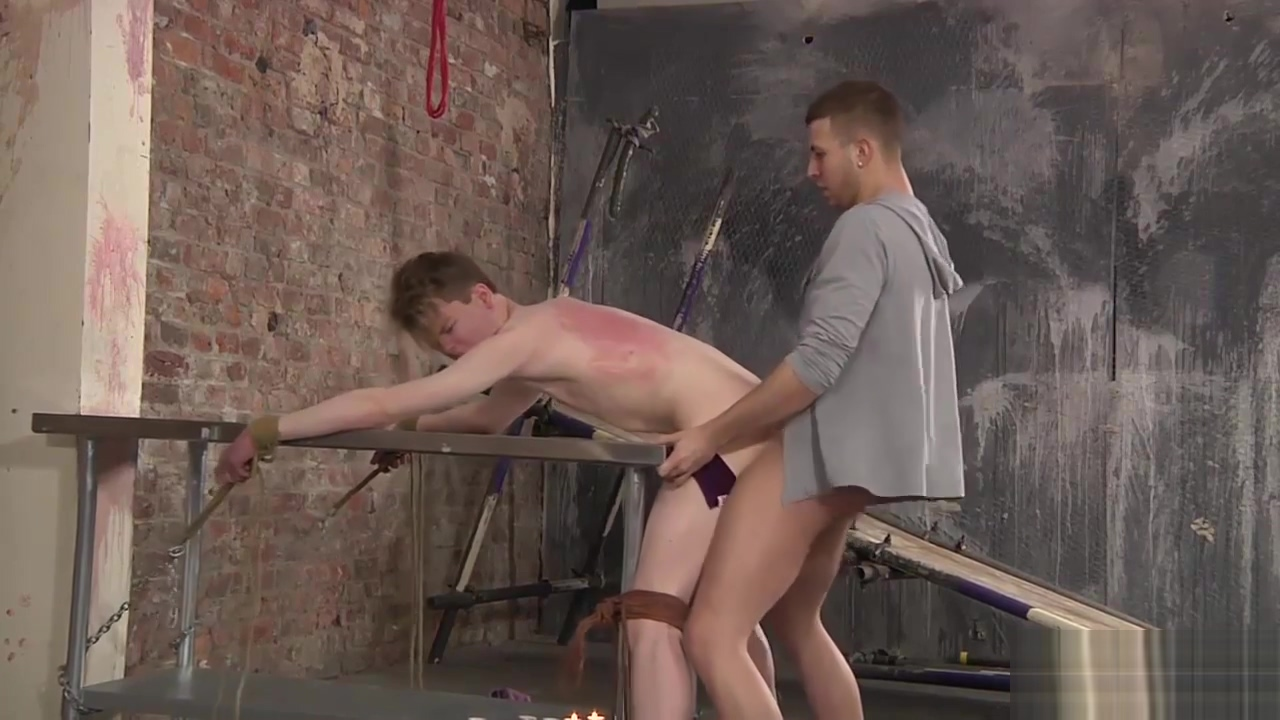 Leo Ocean banged hard while chained and tied on the table Yunia cuba