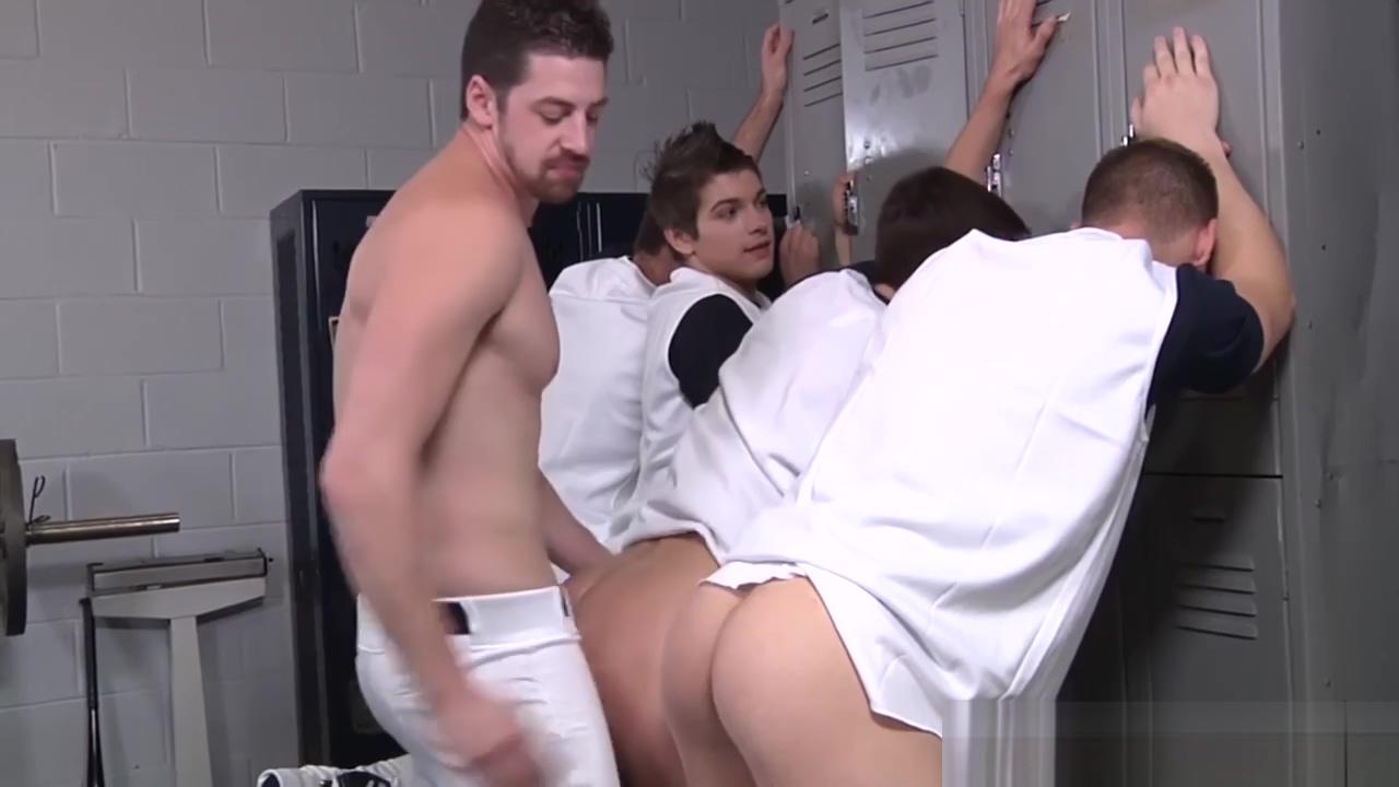 Football players enjoy backroom Porn fantasy td defense