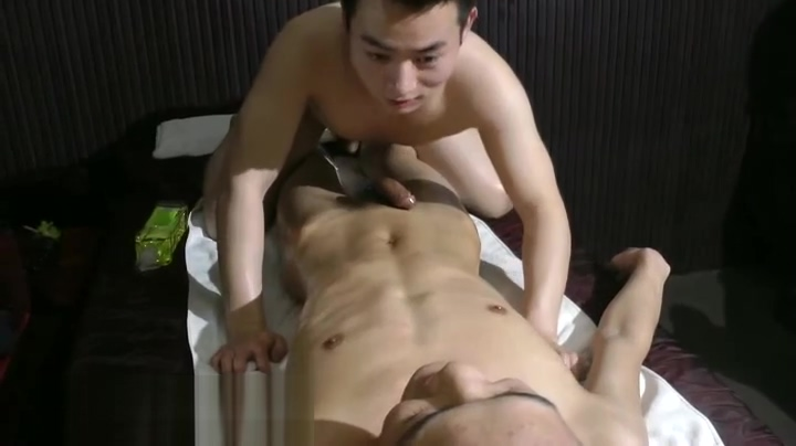Nude Oil Massage 02 Penis porn sperme