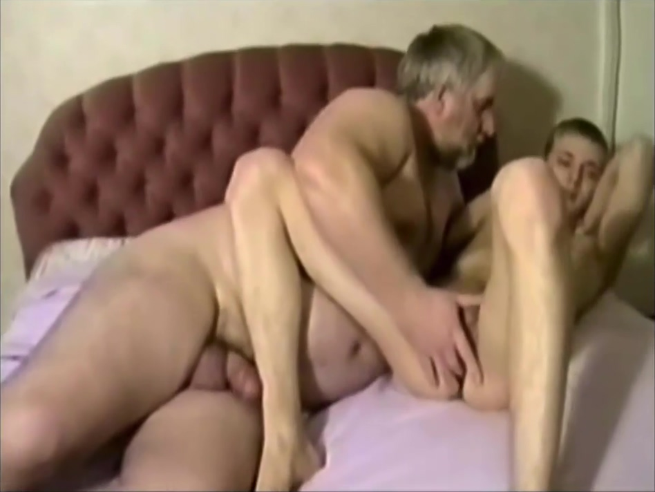Grandad dom 4 Amatuer home videos of girls having sex