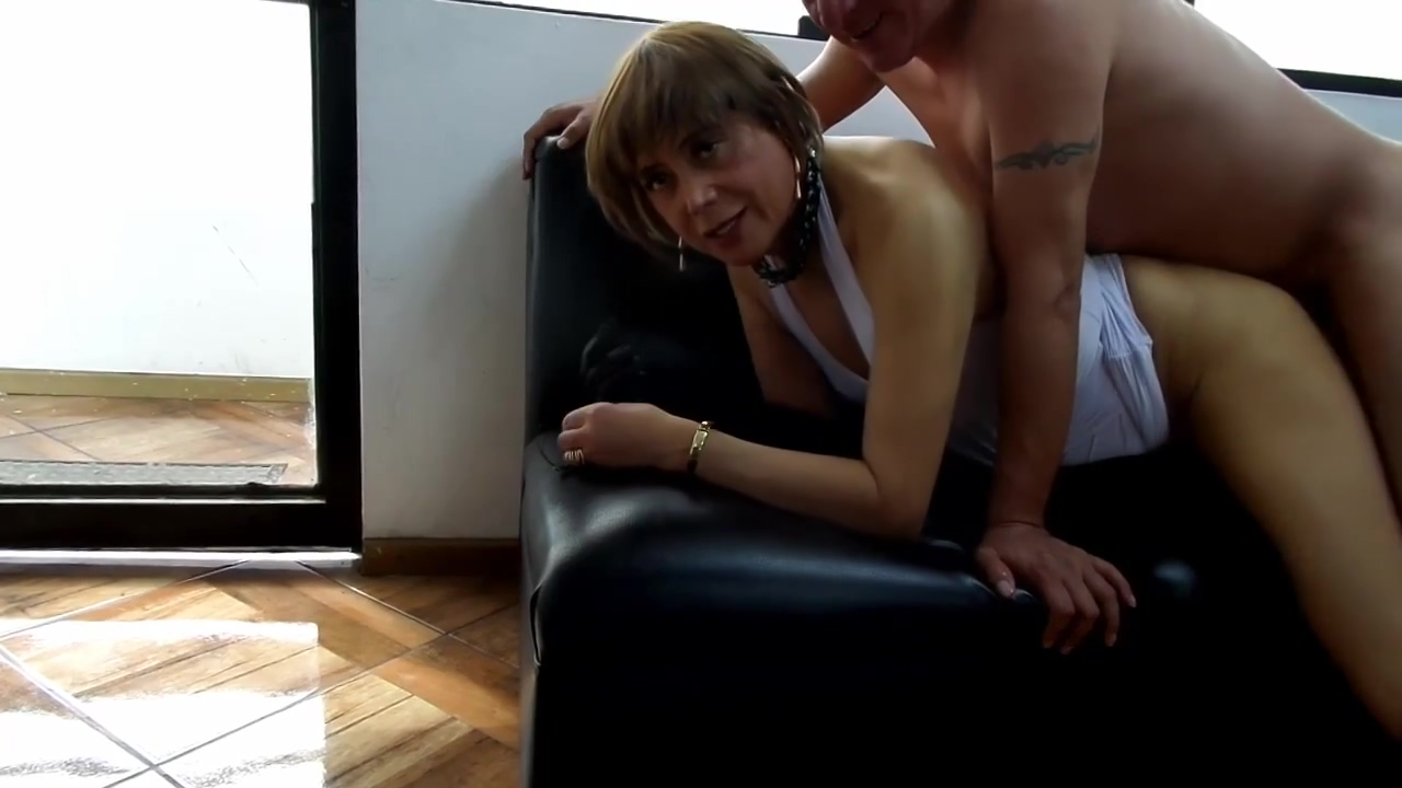 NICOLE DOING DOUBLE PENETRATION ANAL ORGY WITH BLACK BOOTS Anal Dildo Glass
