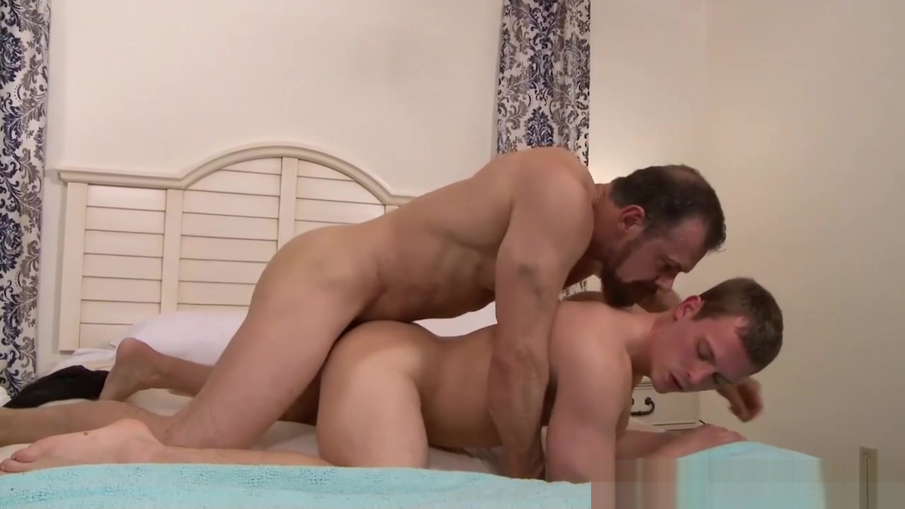 IconMale not daddy Max Sargent Fucks Twink Athena uslander - nude