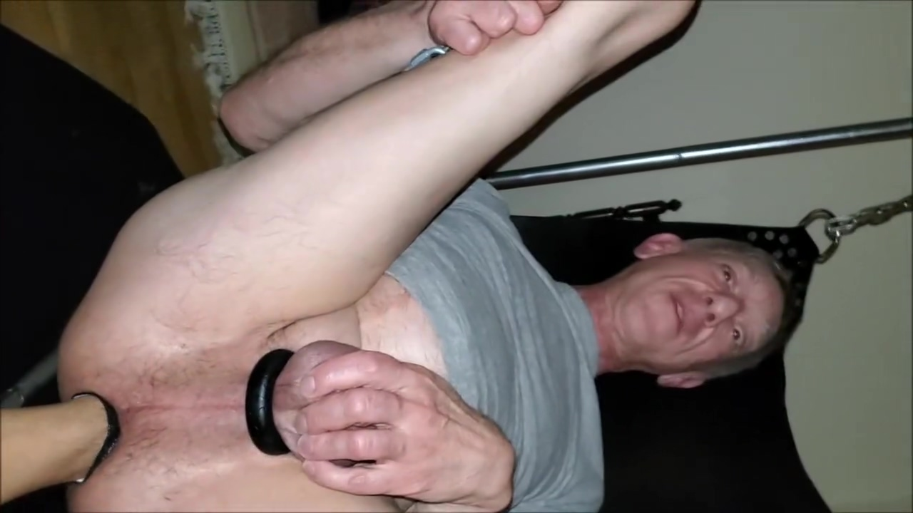 2019-04-13 fisted in sling by 22 yr old honduran twink while friends watch Amateur friend hubby blowjob