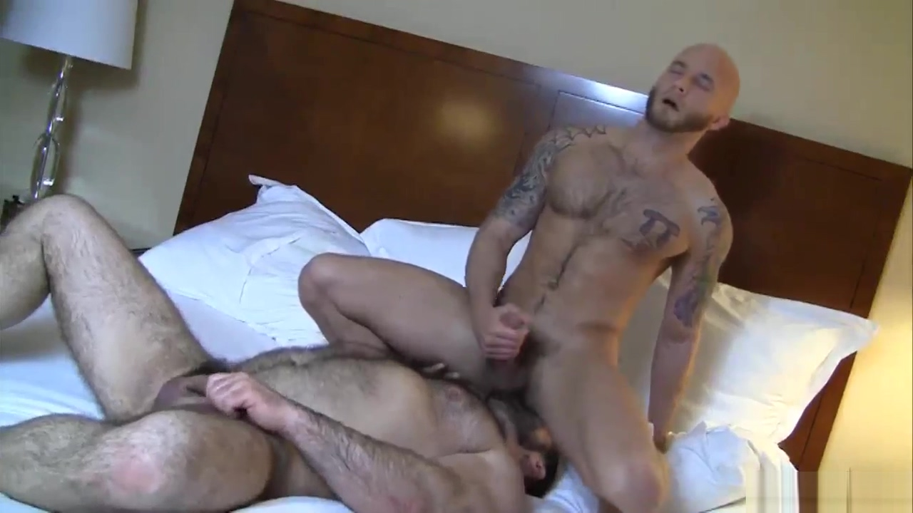 Love hairy guys Tranny Sex Game