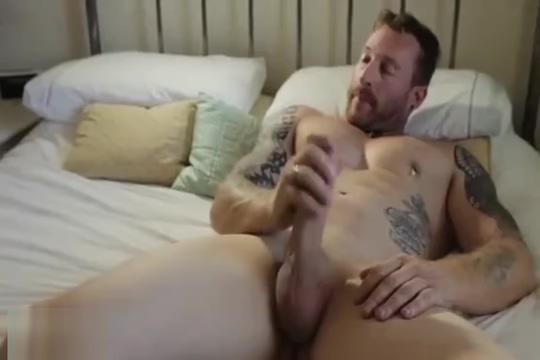 White beefy man photo of nude men