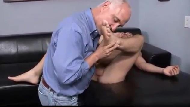 men feet worship Lesbian fetichism