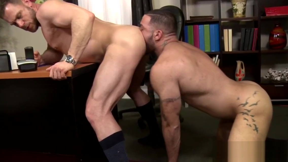 Gay hunk licks muscly guys asshole Cutie stuffing pussy and asshole by vegetables