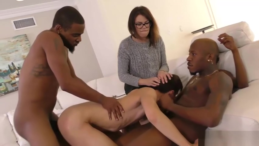 Woman Watching A White Man Getting Gangbanged By Black Men mature in panties hairy
