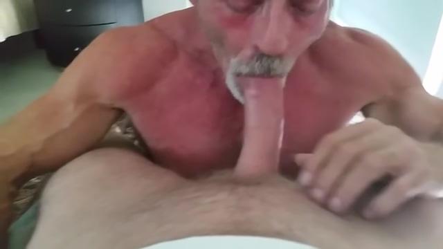 Daddy Cocsucker Fucking black bodybuilder pussy