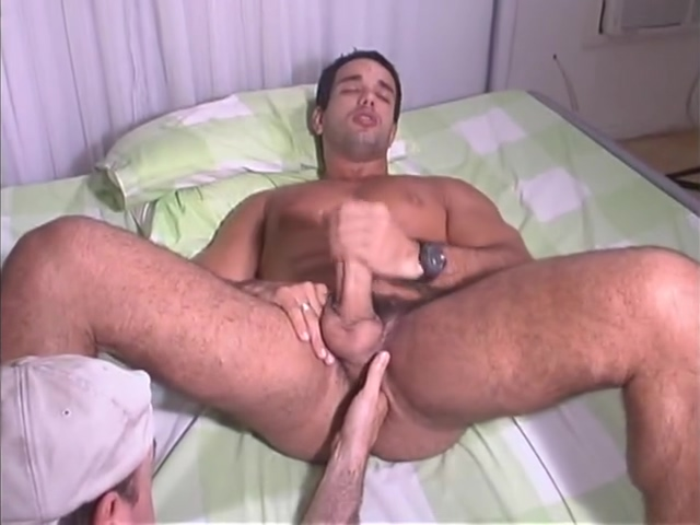 Married Latino bodybuilder lets me use multiple fingers up his bubble butt. Extreme threesome cum eating vidx