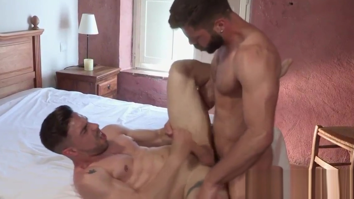 Muscular hunk gets sucked Babysitters Rally