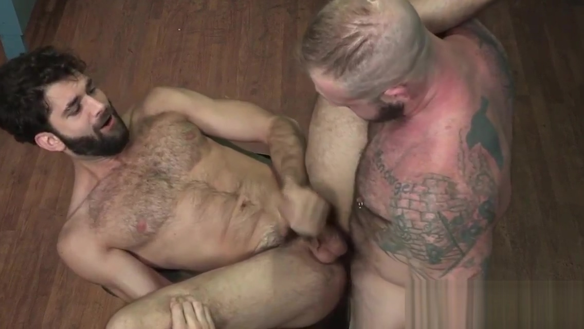 Muscly bear riding dick big booty asian pov