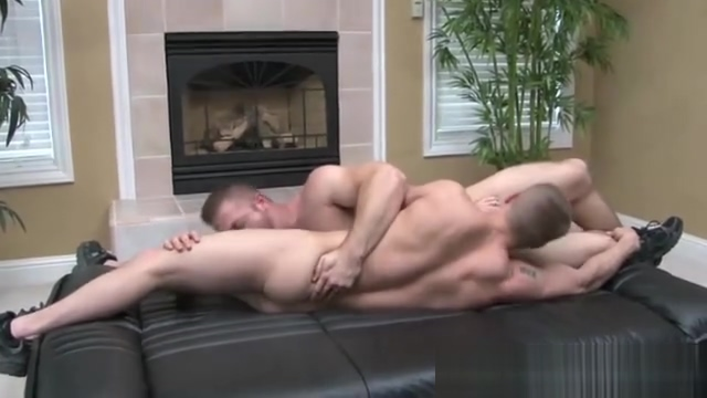 Straight ponrstar hooks up with hunk Squirting Threesome Porn