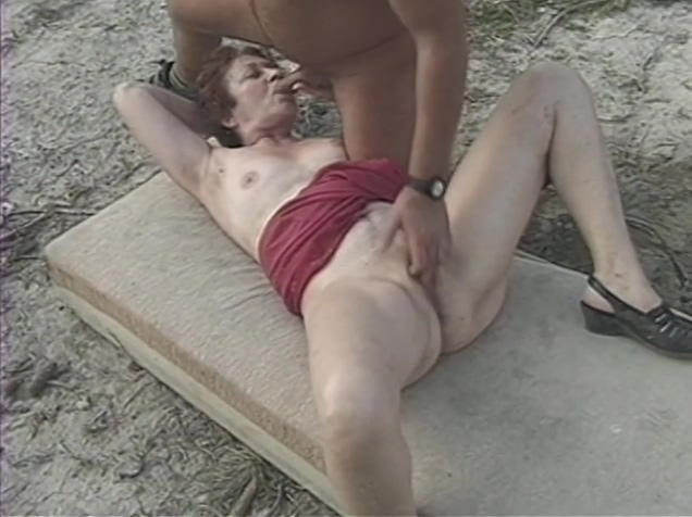 Mature lady screwed outdoor by younger male Sweet Penelope gets hardcored