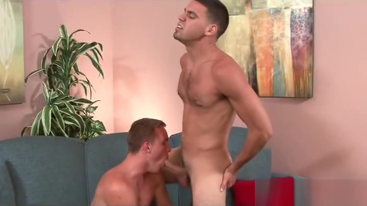 Str8 dude is seduced by his bi gym buddy. 89.com free movie bisexual