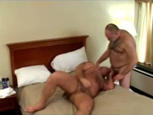 2 bears fudendo muito Gillian anderson nude clip