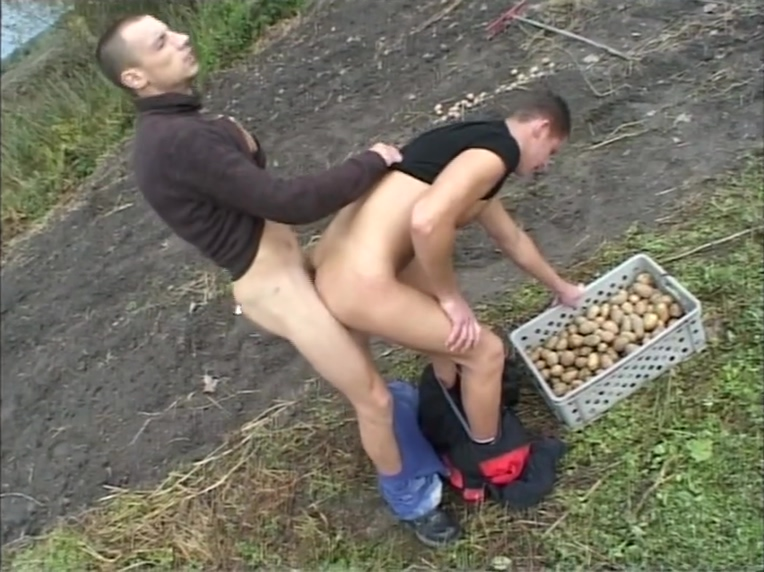 Potatoe farmers grow everything big (CLIP) Homemade interracial swingers