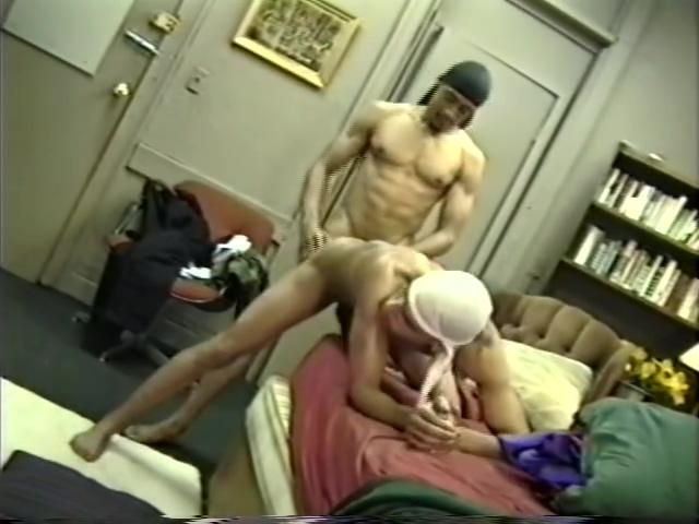 Keepn it Gangsta! mona lisa bollywood nude