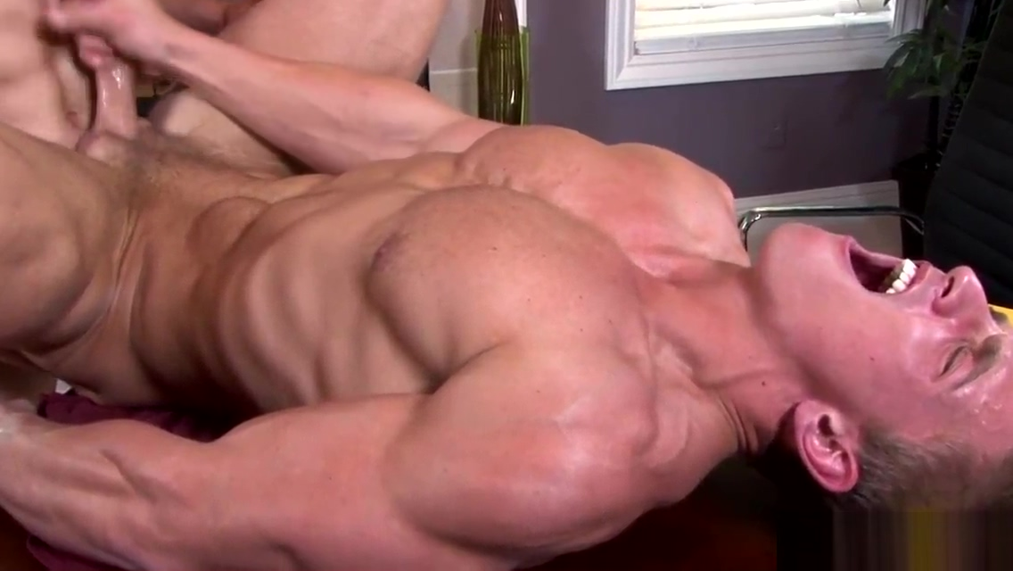 Muscular athletic jock takes a dick up the ass Guys having a orgasm in women