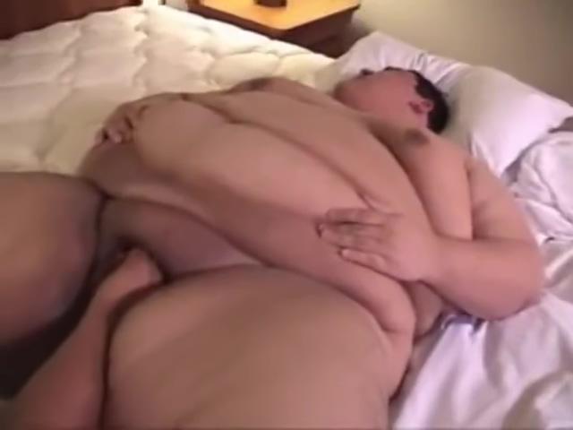 Superchub Sex Tattooed lez babe fucked with a strapon