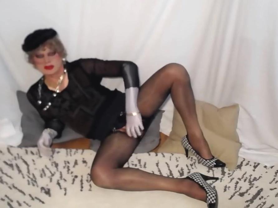 VIDEO 890 big breast images ebony