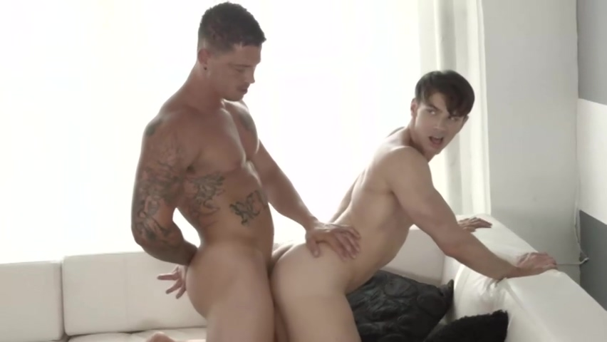 Sebastian Young & Addison Graham Nudmale models modeling naked