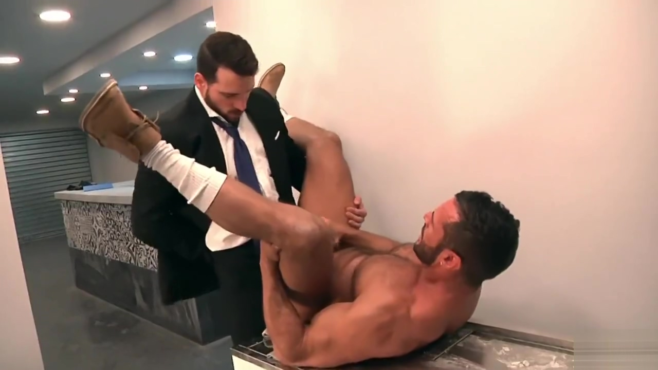 SUITED SIR TAKES HIS SERF SLUT HARD! Ebonys deep dong riding makes dude very aroused