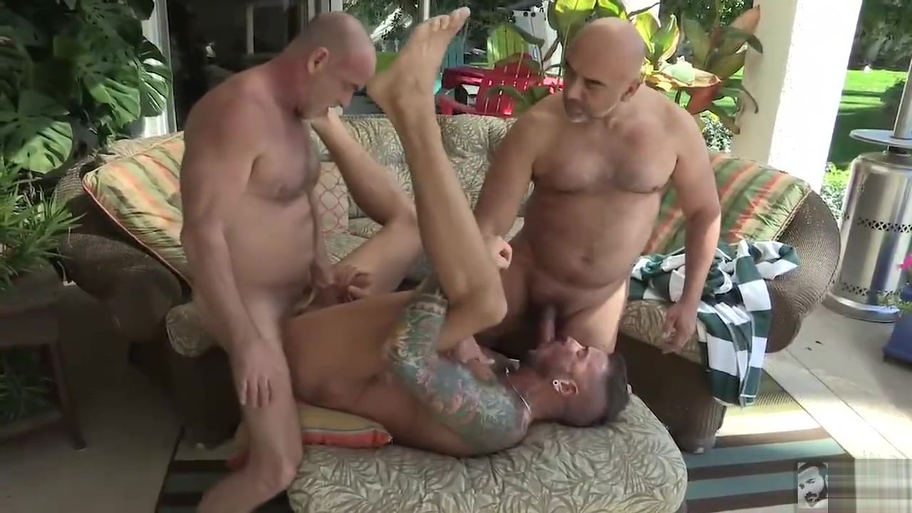 Three men in the tub Sexy harcore naked women