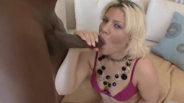 Crossdressing slut gets down to suck a big, fat black cock and drain the cum cyber cafe sex seans