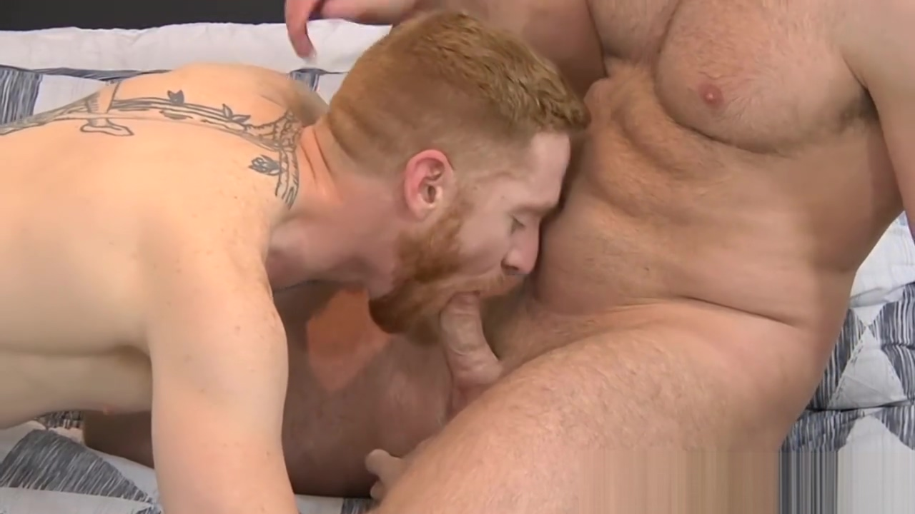 Buffed muscle hunk pounding his lover doggystyle Mature big clit