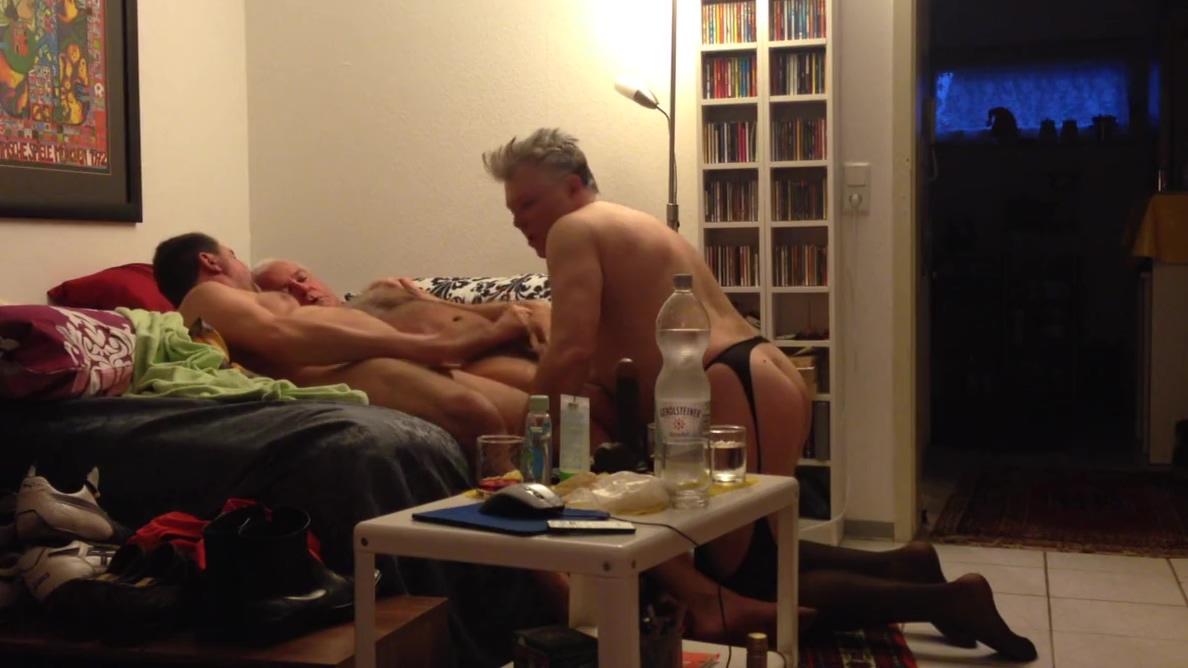 amateur gay slut jewa threesome fucked China girls masturbation