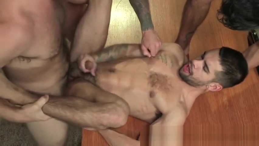 Well hung muscled group suck and fuck Free hot mature women