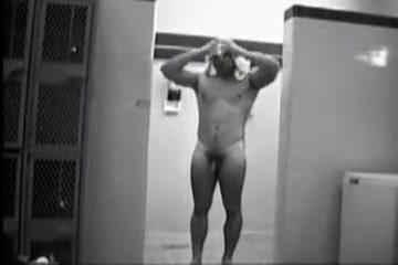 Mens Shower Spycam Dating In The Dark Us Season 2 Episode 7
