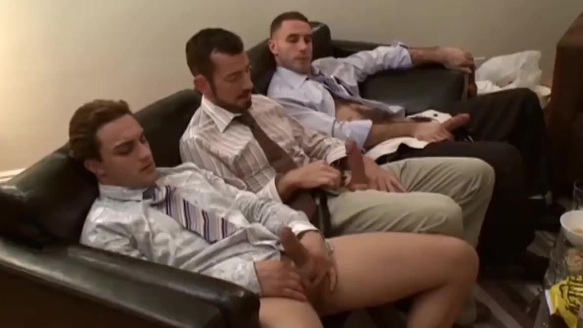 BRUTUS18CM - VIDEO 150 - GAY PORN! Fuck that milf hard