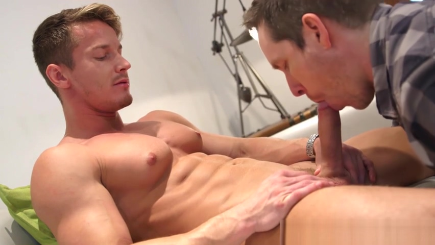Muscular jock Darius Ferdynand sucked dry by Pascal Pornstar named druuna