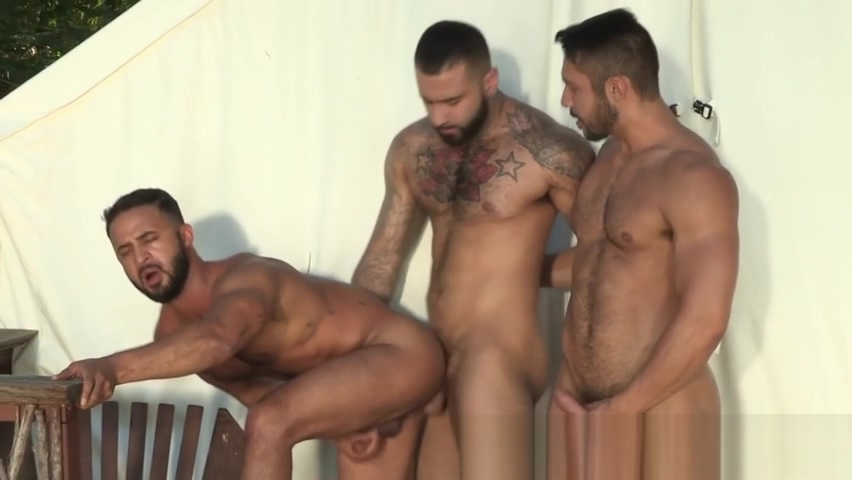 Buff bears in threeway fuck ass and suck xxx pics that 70 show