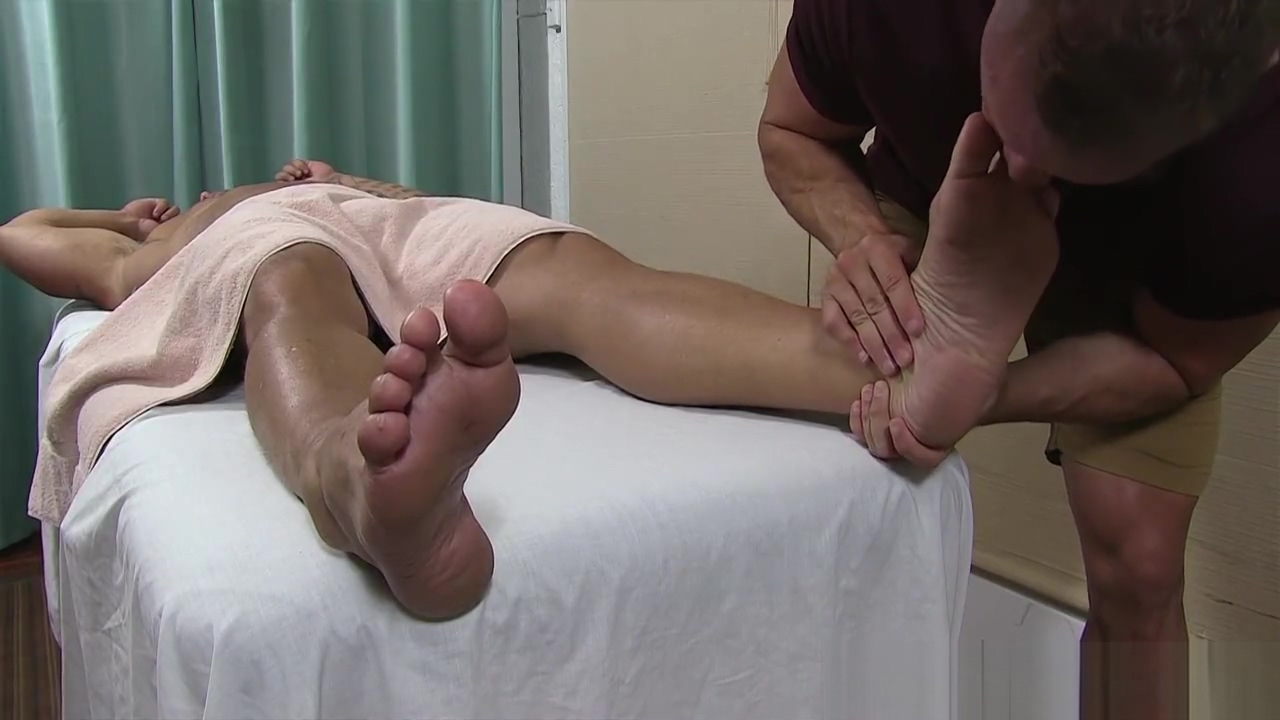 Feet massage turns into toe sucking and worship Milf nymphos dating in Ostrava