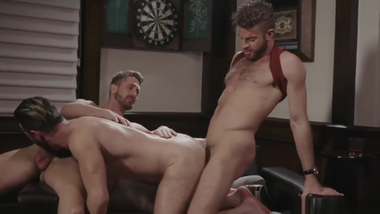 Seedy bar threeway Caracum free tubes look excite and delight caracum
