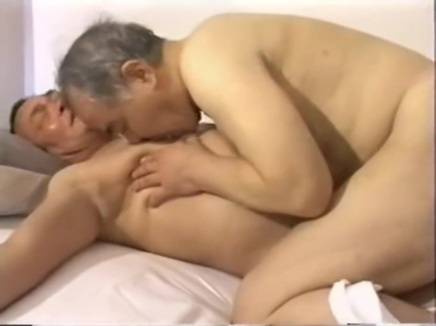 JAPANESE OLD MAN MATURE GAY SEX H0035 DOWNLOAD FULL VIDEO IN COMMENT Blonde twerking handjob cock and pissing