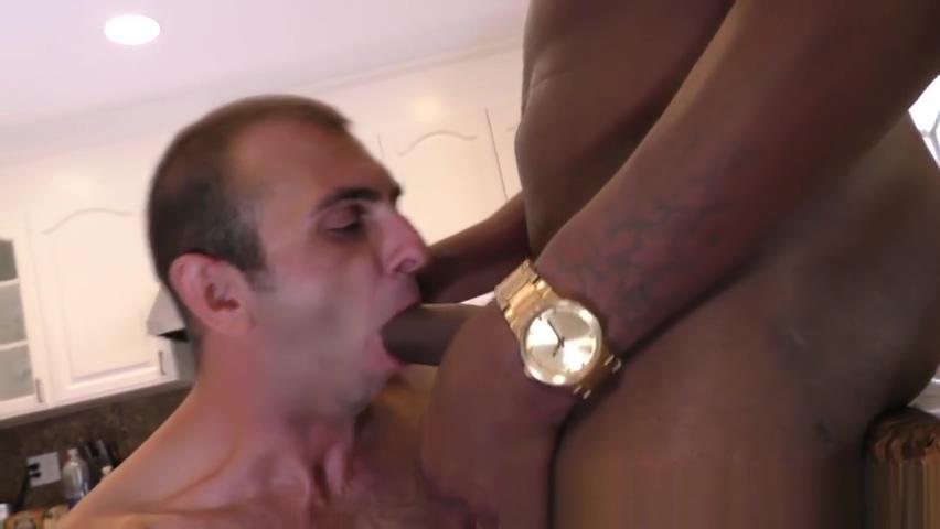 Dude licks ebony dick naked girl in a car