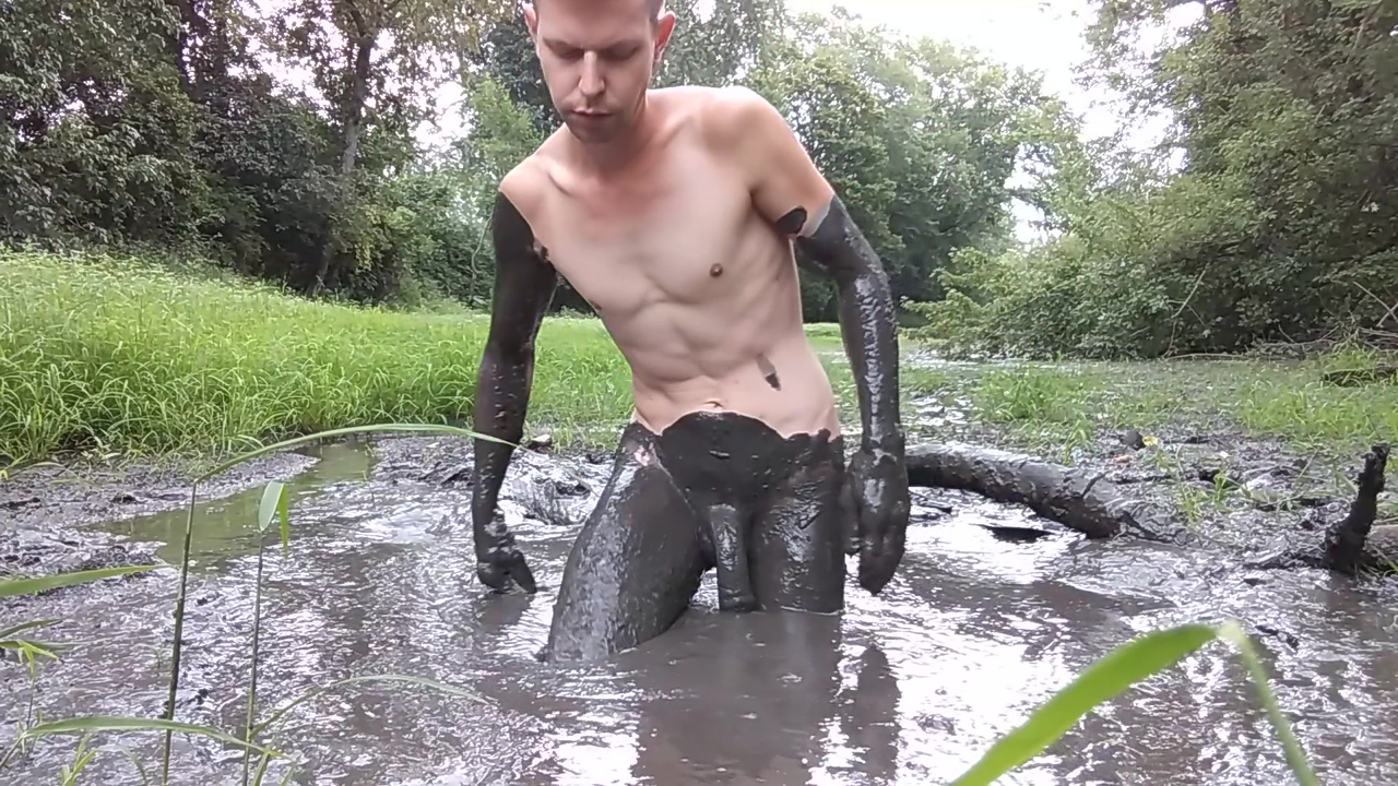 Half Muddy Sex hot girl strips and dildo fucks anal