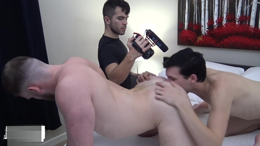 RawFuckBoys - Little twink eats ass before being pounded by beefy bear Nude Couple Kissing Video