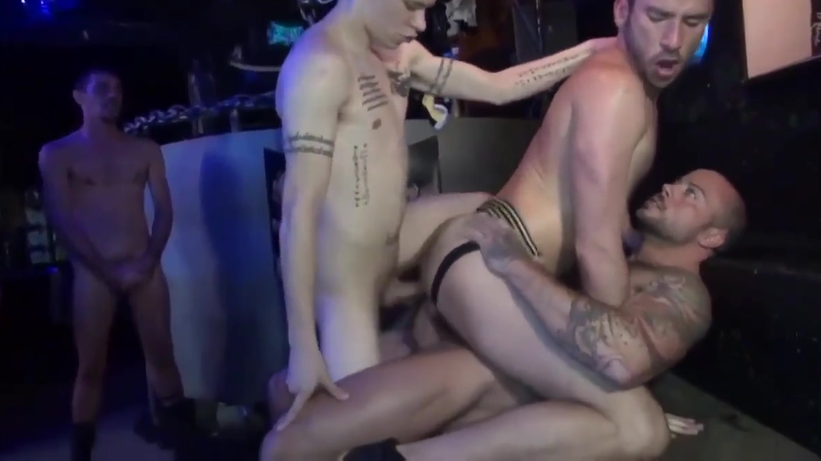 BRET SEAN GOGO GANGBANG IN THE CLUB women want to have sex