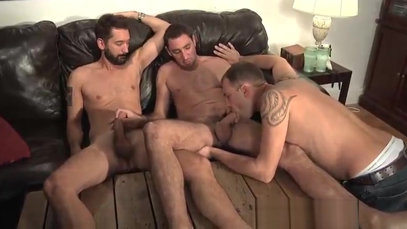 Guy wants to suck on 2 cocks. Big cum vagina