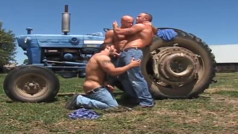 Hot Threesome (Carlo Masi, Gage Weston, Luke Garrett) Dunure spirits wanted in Munich