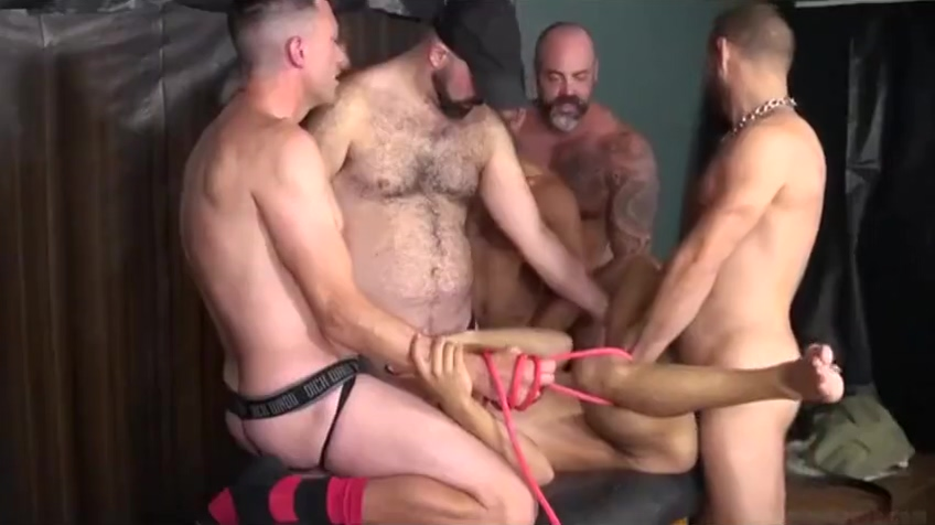 Muscle gay Leo Luckett spitroasted during bareback threeway Real webcam show pornstar Morgan Lee