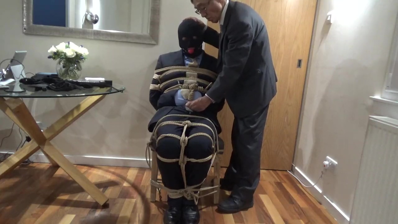 Suited guy in Edinburgh Oct 2019 Anal mature and not son
