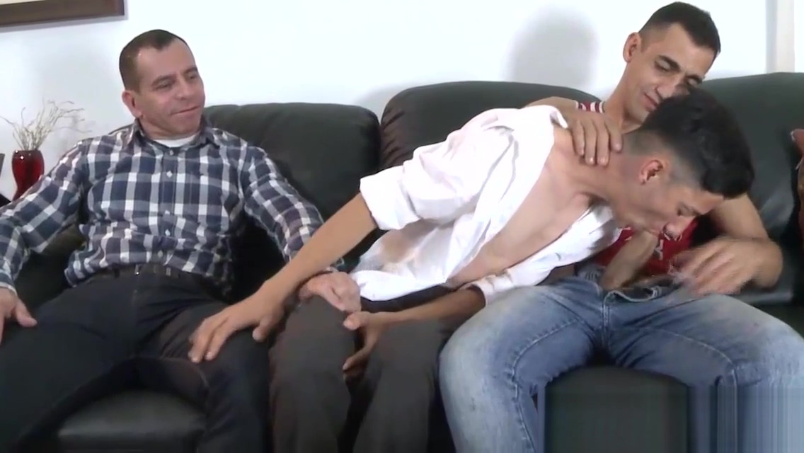 Raw fucked twink sucking two big dicks at the same time God of war titles in order