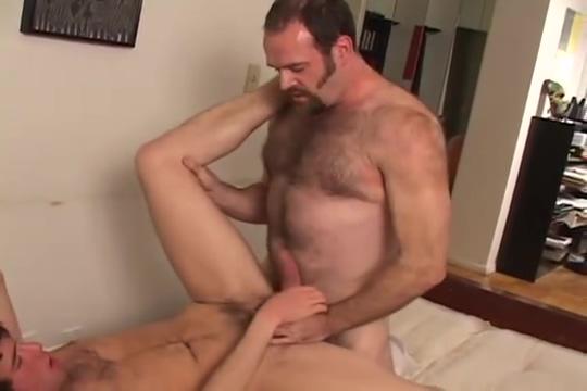Hairy bear Alex fucks Jeremy (HairyJocksVideo) Hot mom bed son