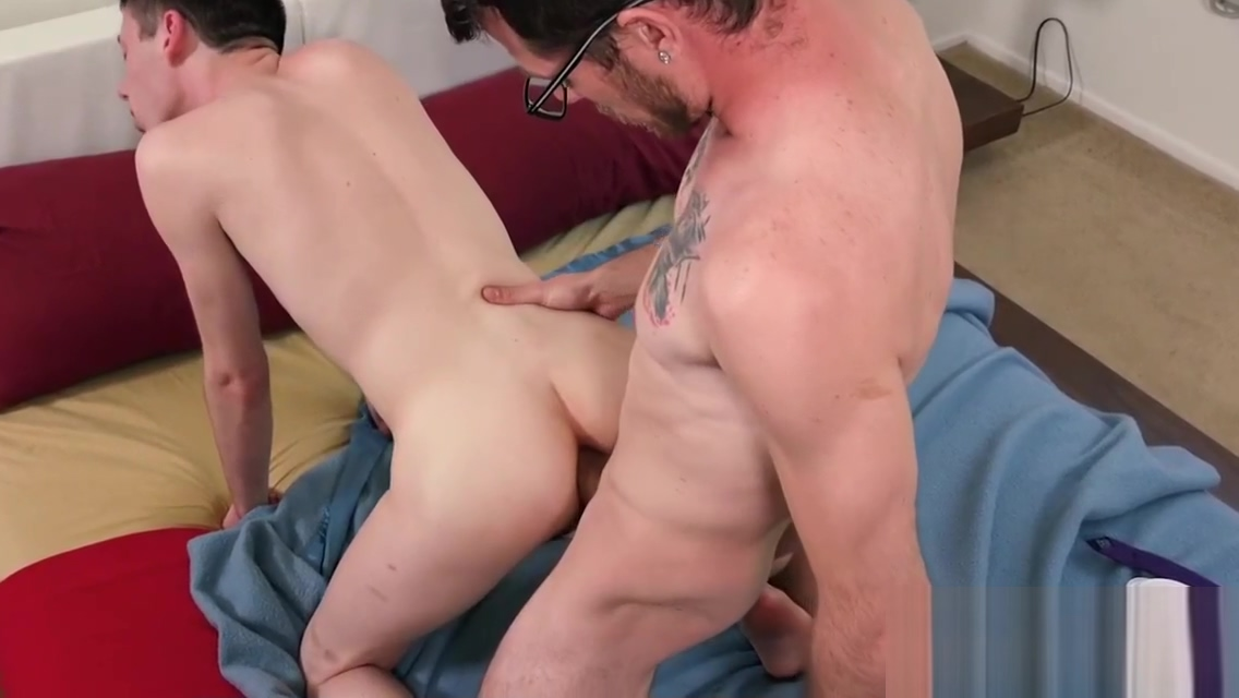 Teen twink railed raw by stepfather Bob christianson sex city theme